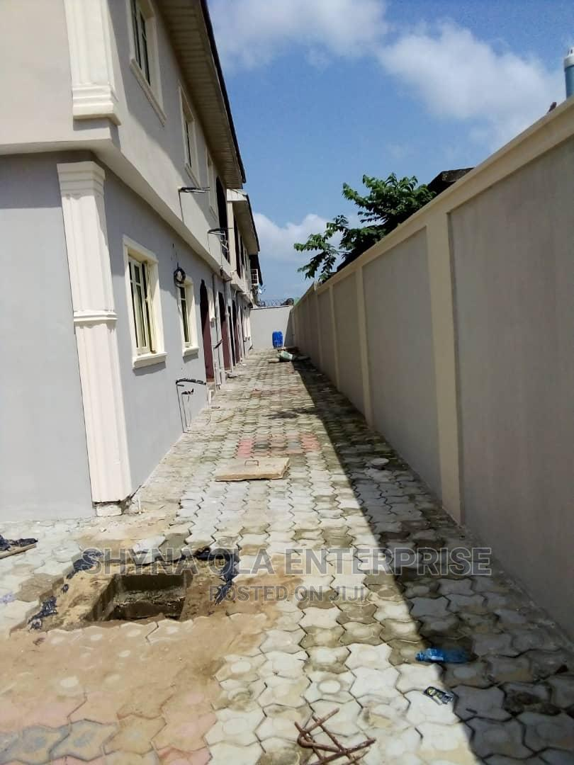 Lovely 2bedroom Flat at Igbo Oluwo of Lagos Road Ikd | Houses & Apartments For Rent for sale in Ikorodu, Lagos State, Nigeria