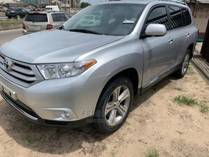 Toyota Highlander 2013 Limited 3.5l 4WD Silver | Cars for sale in Lagos State, Magodo