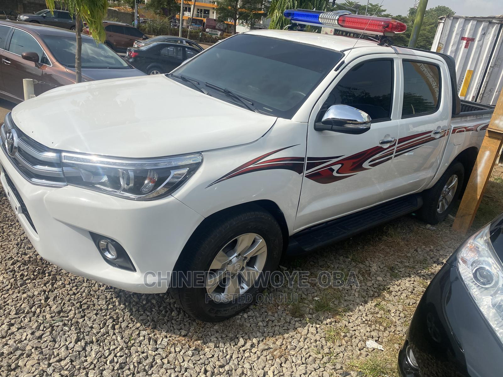 Toyota Hilux 2012 White