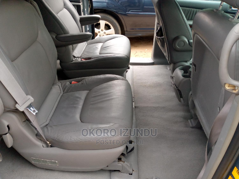 Archive: Toyota Sienna 2005 XLE Blue