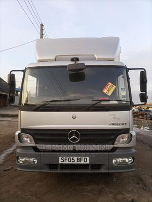 Clean Tokunbo Mercedes Benz 814 Truck Right Hand Drive. | Trucks & Trailers for sale in Lagos State, Abule Egba