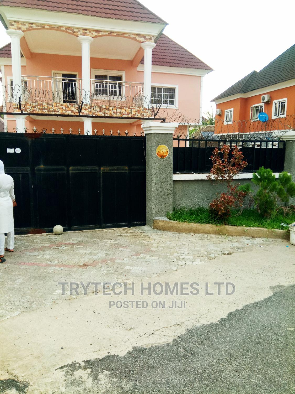 Archive: Lovely Four Bedroom Duplex
