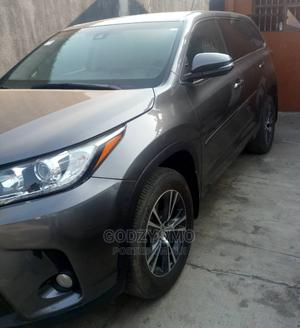 Toyota Highlander 2017 LE 4x4 V6 (3.5L 6cyl 8A) Gray   Cars for sale in Lagos State, Ikeja