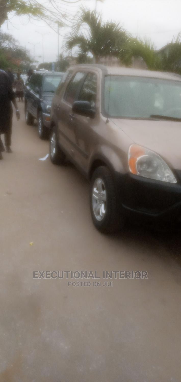 Honda CR-V 2002 2.0i ES Automatic Gold | Cars for sale in Lekki, Lagos State, Nigeria