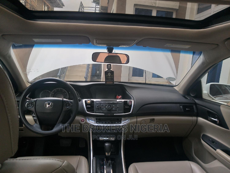 Archive: Honda Accord 2013 White
