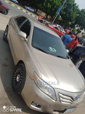 Toyota Camry 2012 Gold   Cars for sale in Abuja (FCT) State, Garki 2