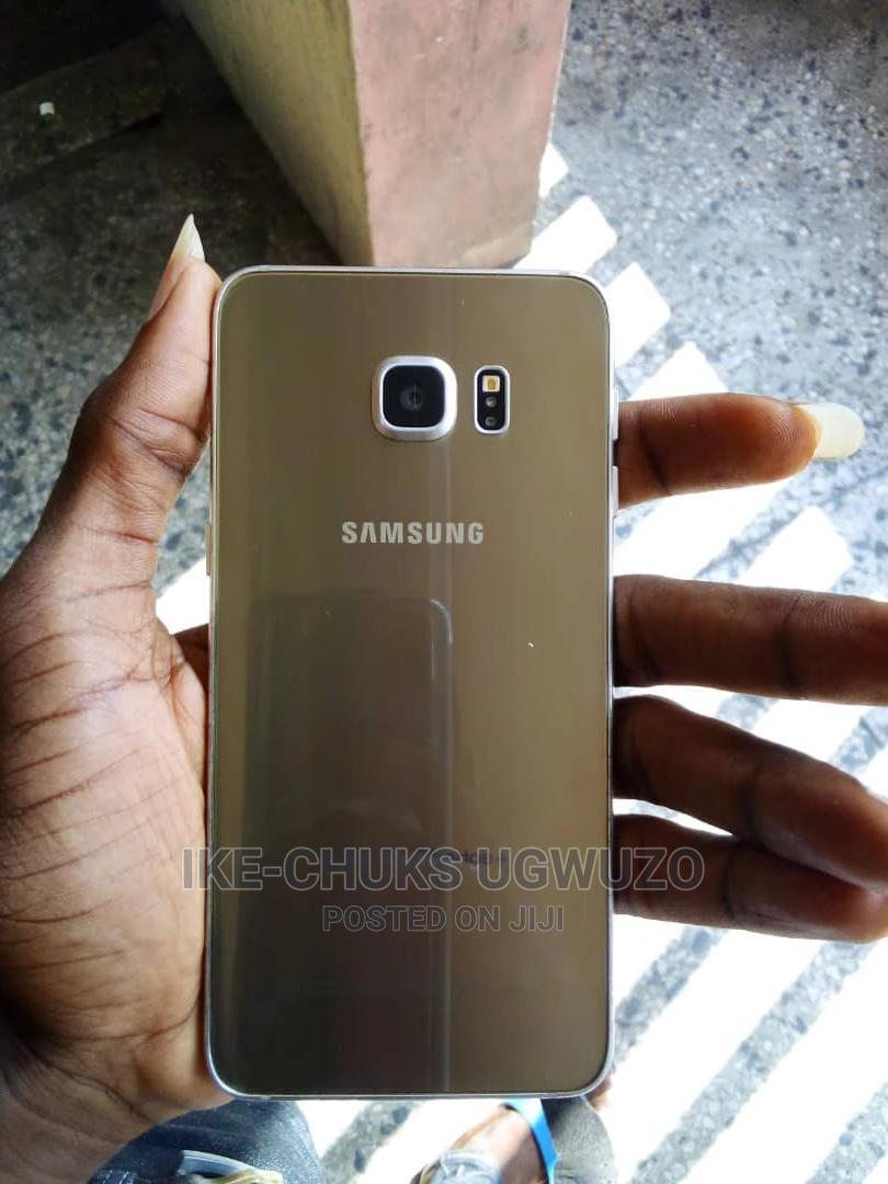 Archive: Samsung Galaxy S6 Edge Plus 32 GB Gold