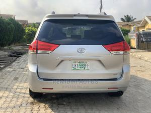 Toyota Sienna 2011 XLE 7 Passenger Silver   Cars for sale in Lagos State, Alimosho
