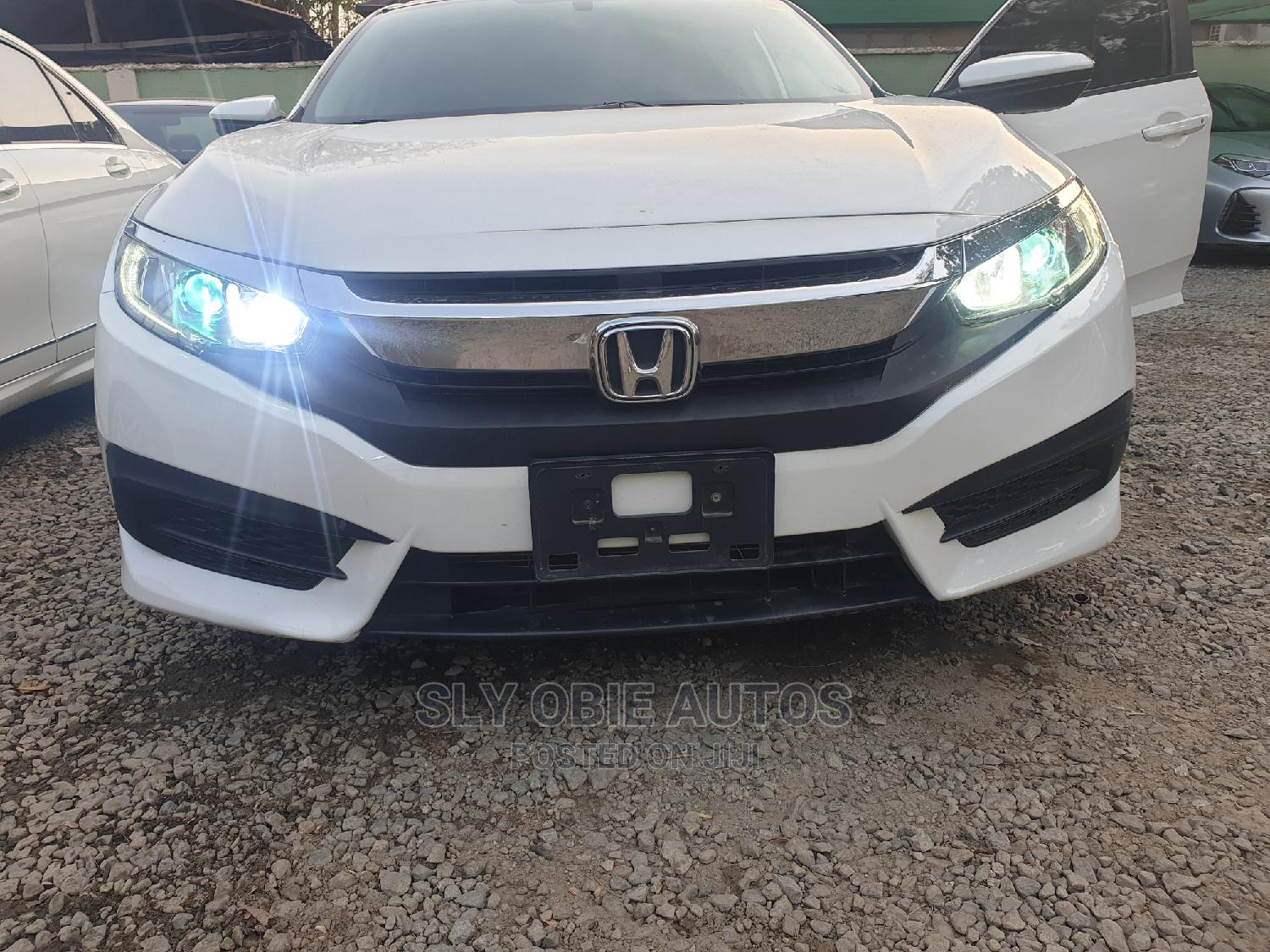 Honda Civic 2016 White