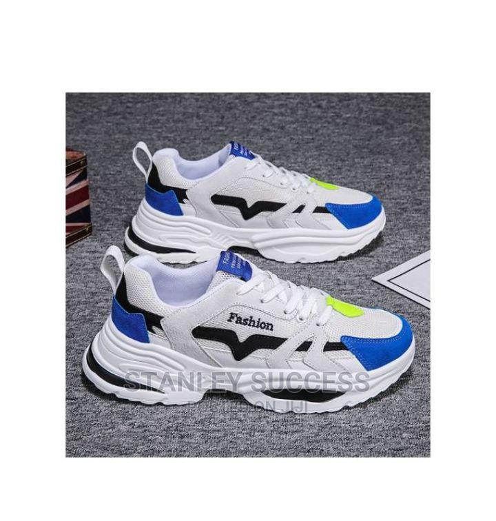 Popular Men Sport Shoes Comfortable Sneakers for Men
