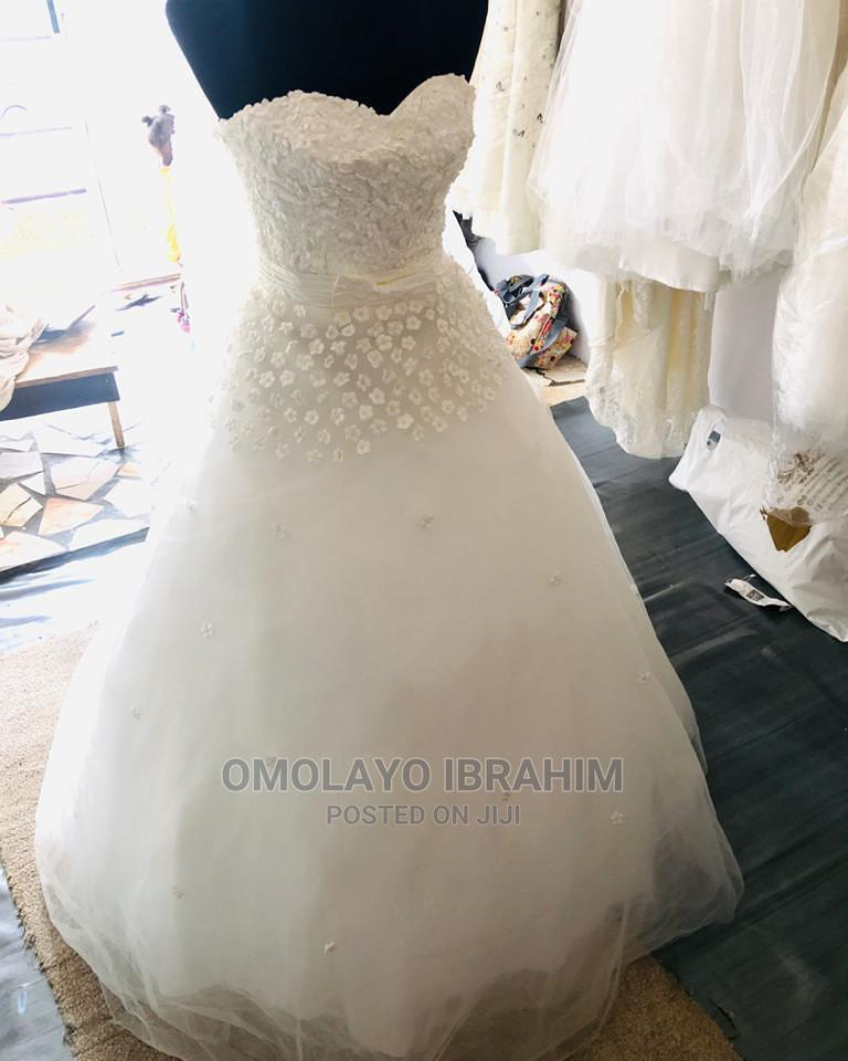 Classic And Elegant Wedding Gown