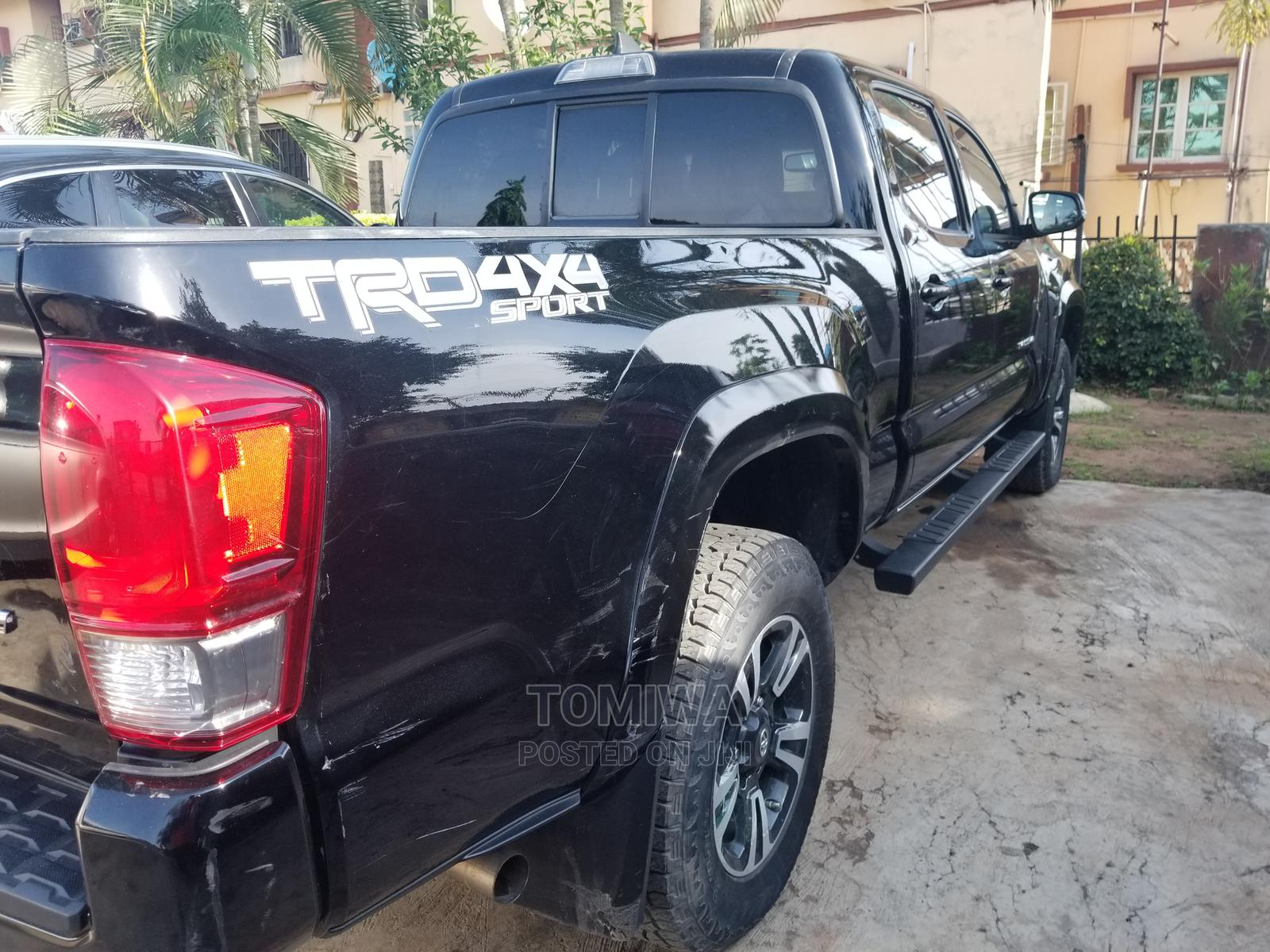 Toyota Tacoma 2016 4dr Double Cab Black   Cars for sale in Agege, Lagos State, Nigeria