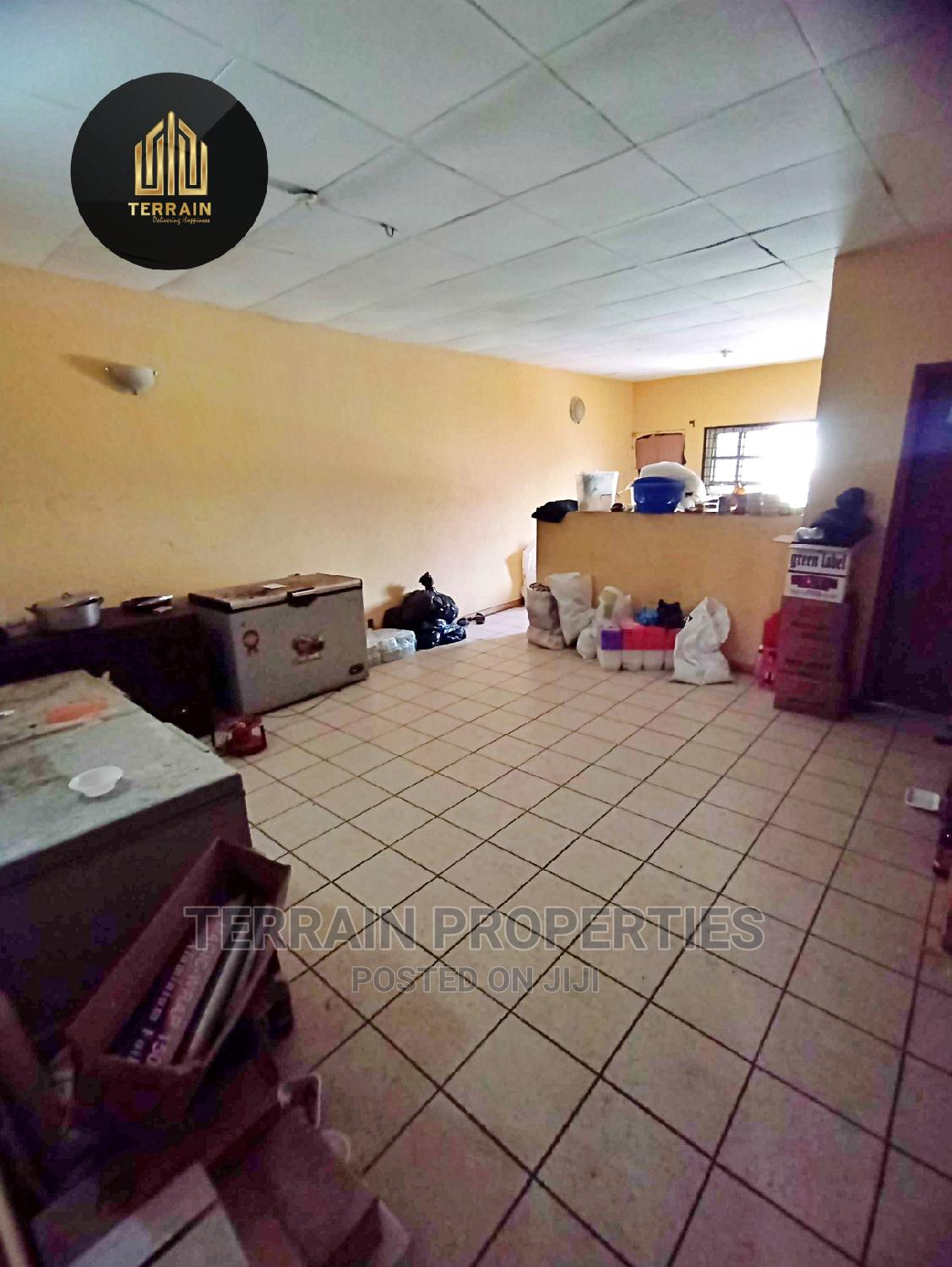 4 Bedroom Terrace With Self Compound Distress Sale! | Houses & Apartments For Sale for sale in Ikota, Lekki, Nigeria