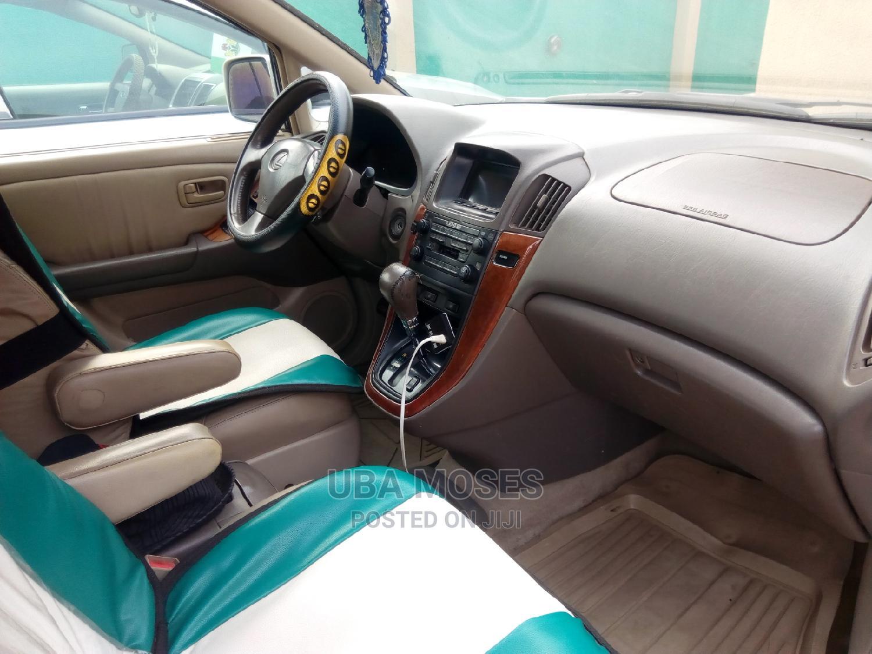 Archive: Lexus LX 2000 White