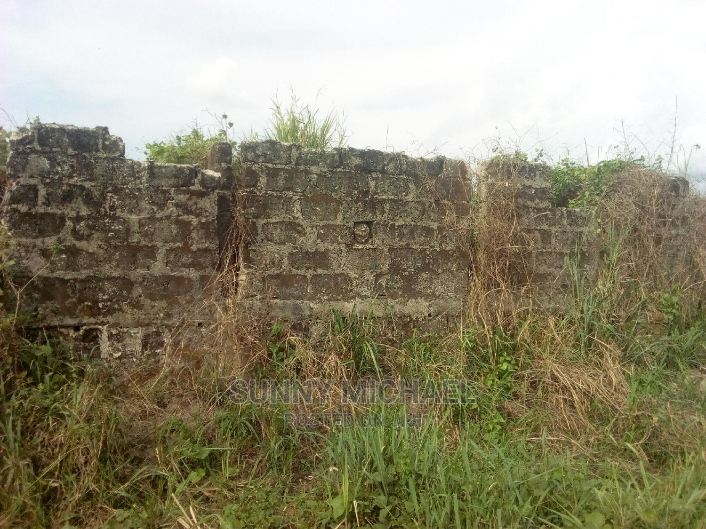 3bdrm House in Behinde Teivre Stree, Warri for Sale