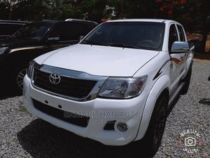 Toyota Hilux 2014 WORKMATE 4x4 White | Cars for sale in Abuja (FCT) State, Kubwa