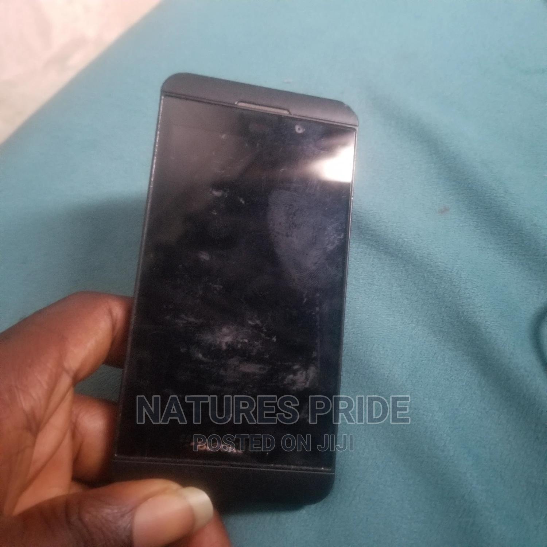 Archive: BlackBerry Z10 16 GB Black