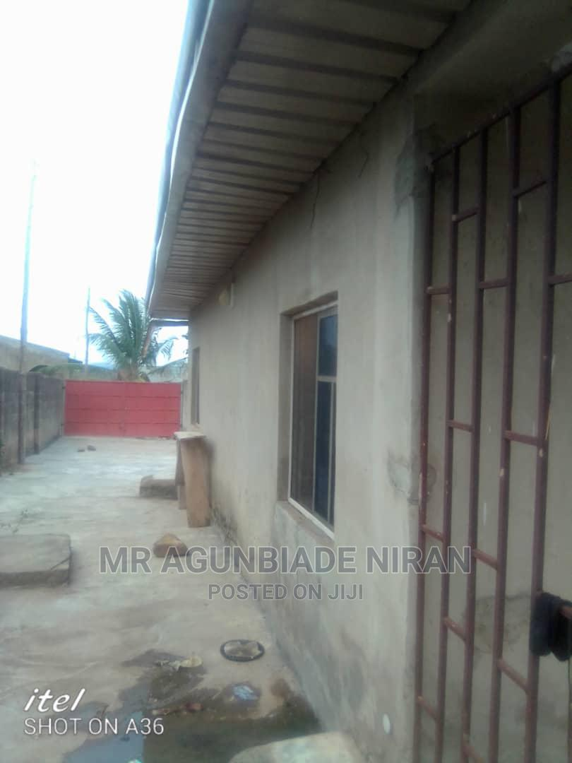 Tastefully and Finished Newly 3bedrm Bungalow With POP Alru