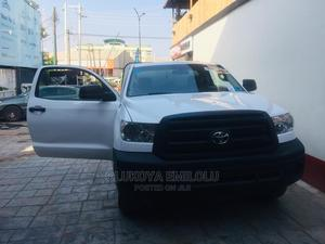 Toyota Tundra 2013 Regular Cab 4x2 4.6L V8 White | Cars for sale in Lagos State, Yaba