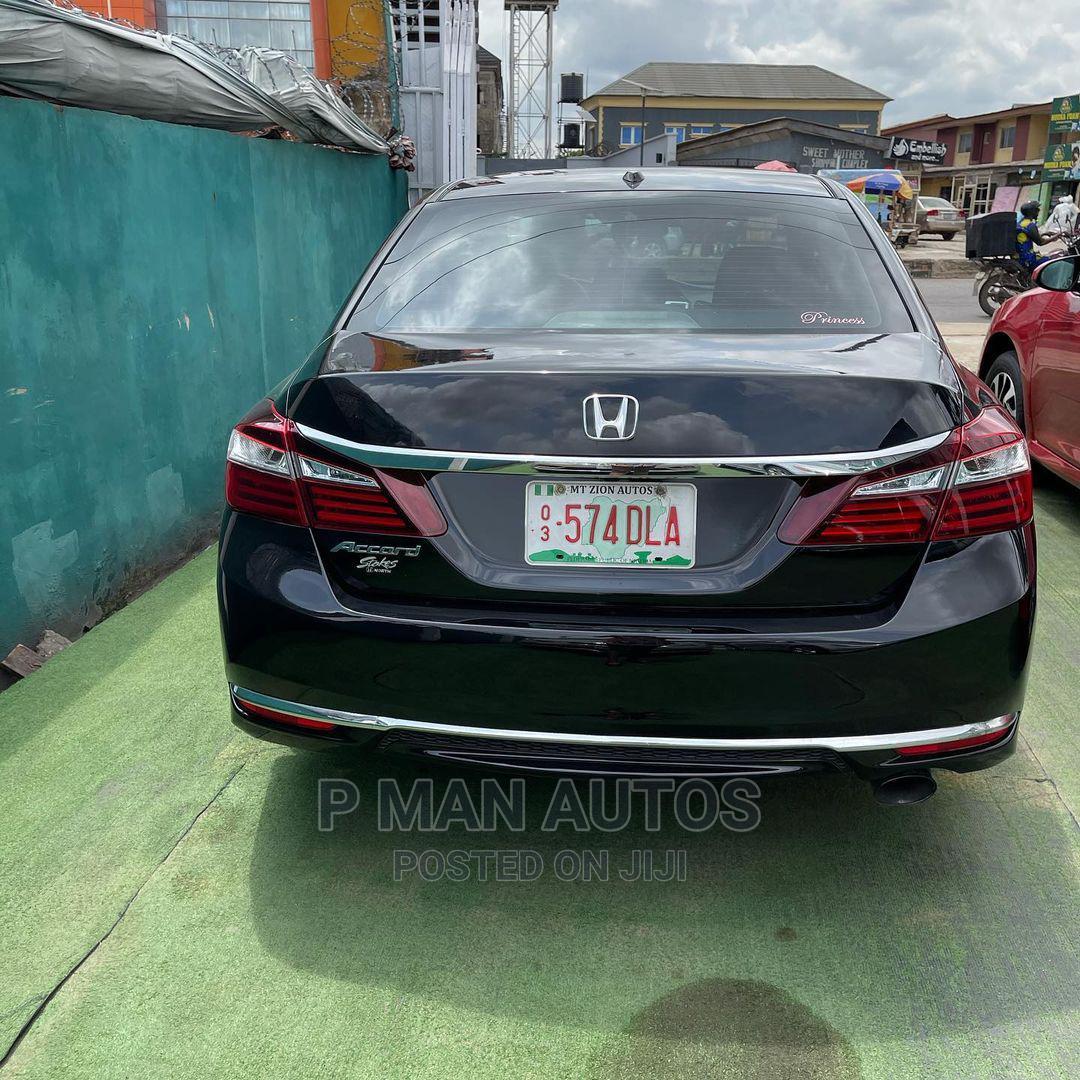 Archive: Honda Accord 2016 Black