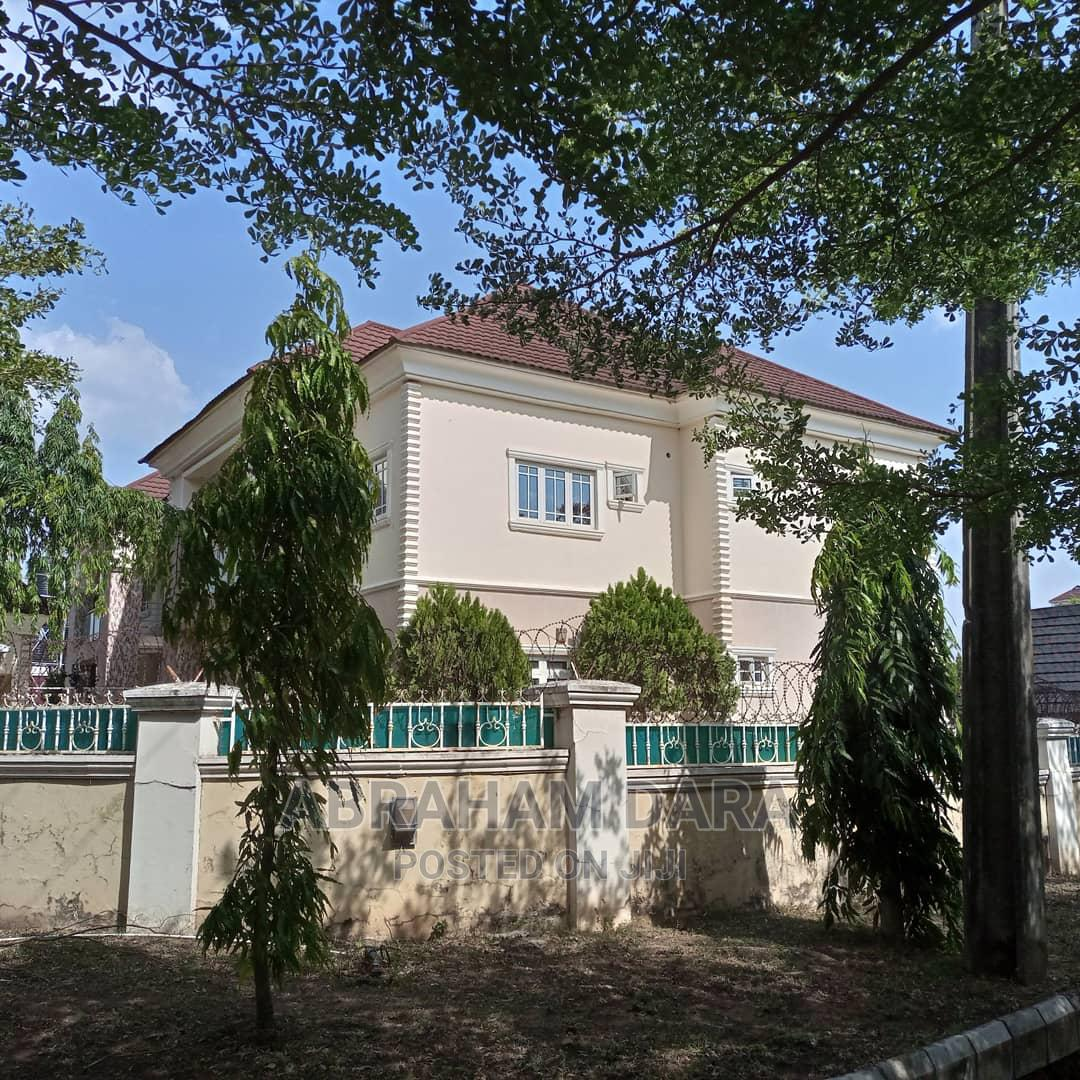 Archive: Twin 4 Bedrooms Duplexes With 2 Sitting Rooms.