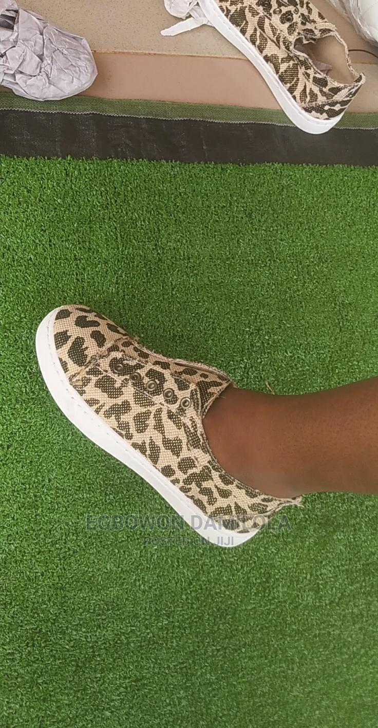 Archive: Adult Sneakers