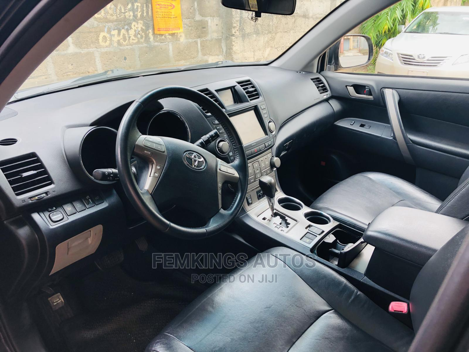 Archive: Toyota Highlander 2008 Sport Black