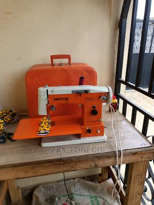 Straight, Zigzag And Botton Holes Electric Sewing Machine | Manufacturing Equipment for sale in Lagos State, Alimosho