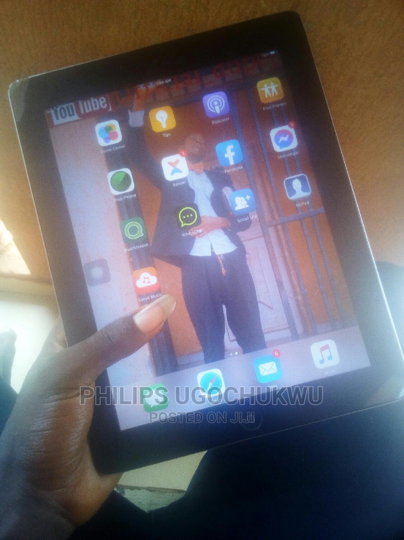 Archive: Apple iPad 2 Wi-Fi 16 GB White