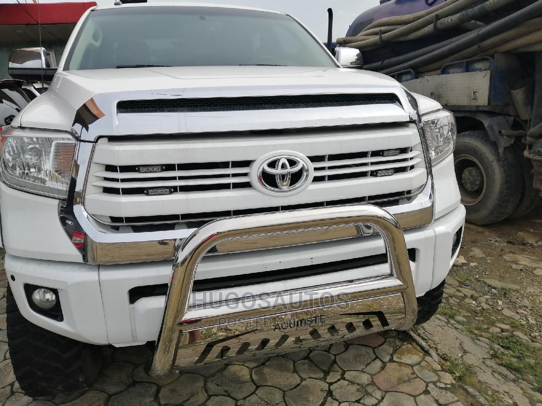 Toyota Tundra 2014 White