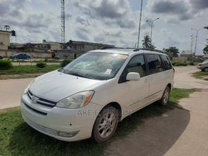 Toyota Sienna 2004 Silver | Cars for sale in Lagos State, Amuwo-Odofin