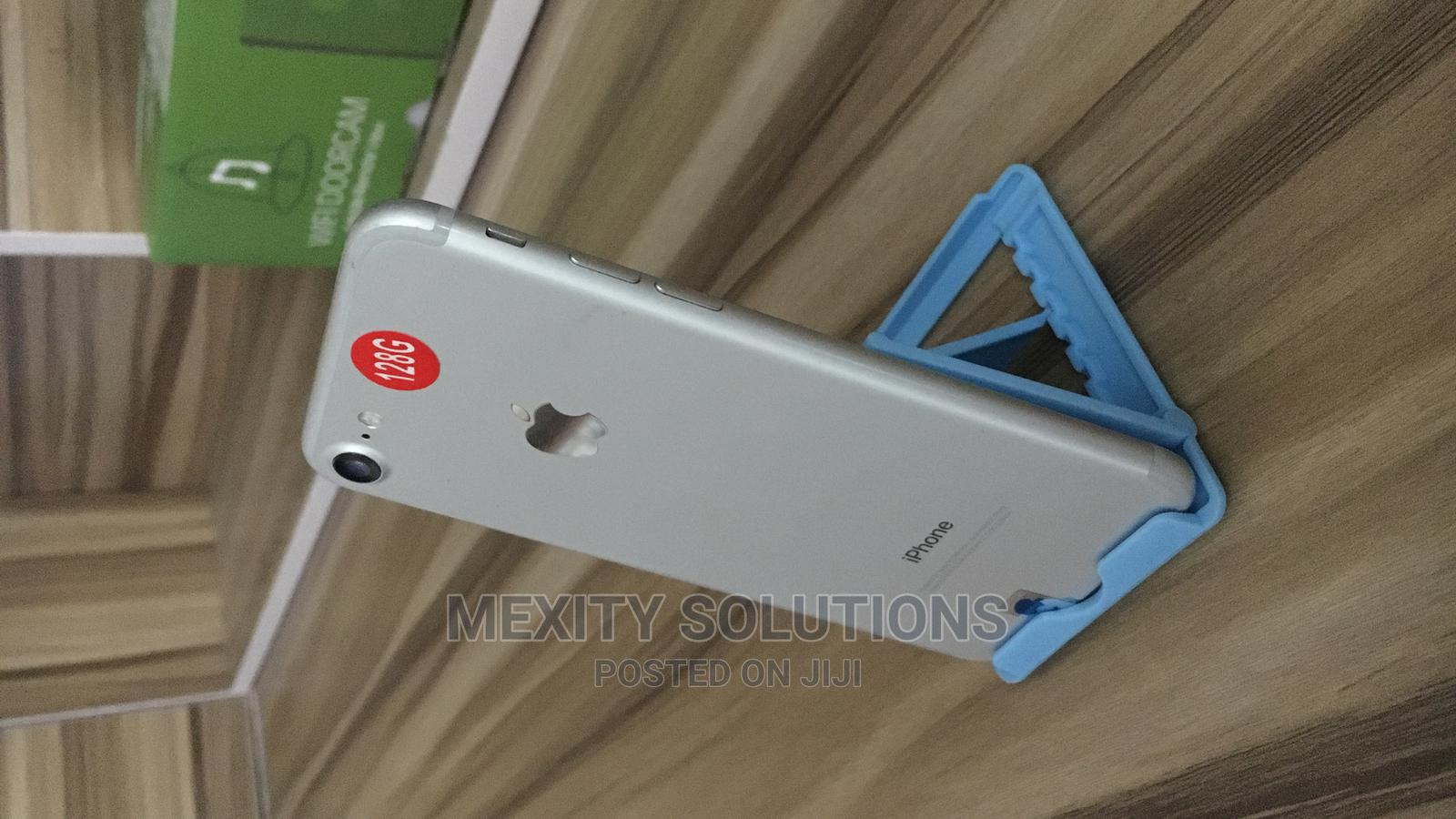 Apple iPhone 7 128 GB Silver   Mobile Phones for sale in Wuse 2, Abuja (FCT) State, Nigeria