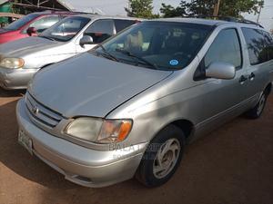Toyota Sienna 2002 XLE Silver   Cars for sale in Kaduna State, Kaduna / Kaduna State
