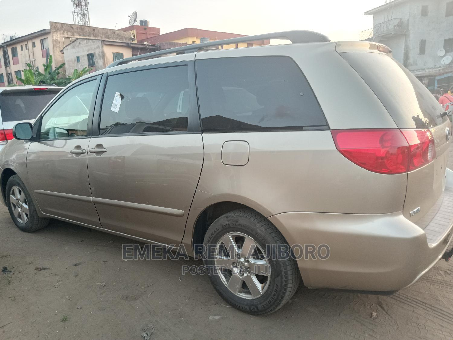 Toyota Sienna 2008 LE Gold | Cars for sale in Ojo, Lagos State, Nigeria