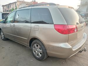 Toyota Sienna 2008 LE Gold   Cars for sale in Lagos State, Ojo