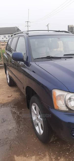 Toyota Highlander 2004 V6 AWD Blue | Cars for sale in Lagos State, Surulere
