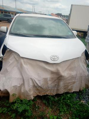 Toyota Sienna 2012 XLE 8 Passenger White   Cars for sale in Oyo State, Ibadan