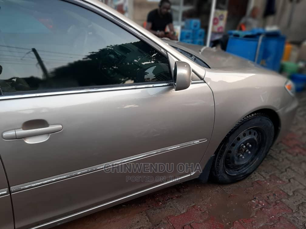 Archive: Toyota Camry 2006 Gold