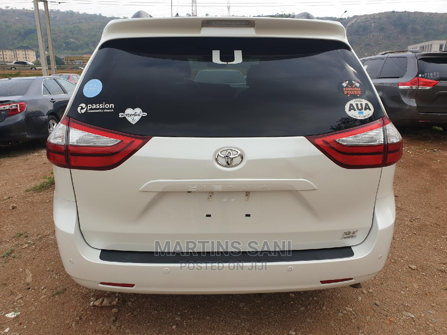 Toyota Sienna 2016 White | Cars for sale in Katampe, Abuja (FCT) State, Nigeria