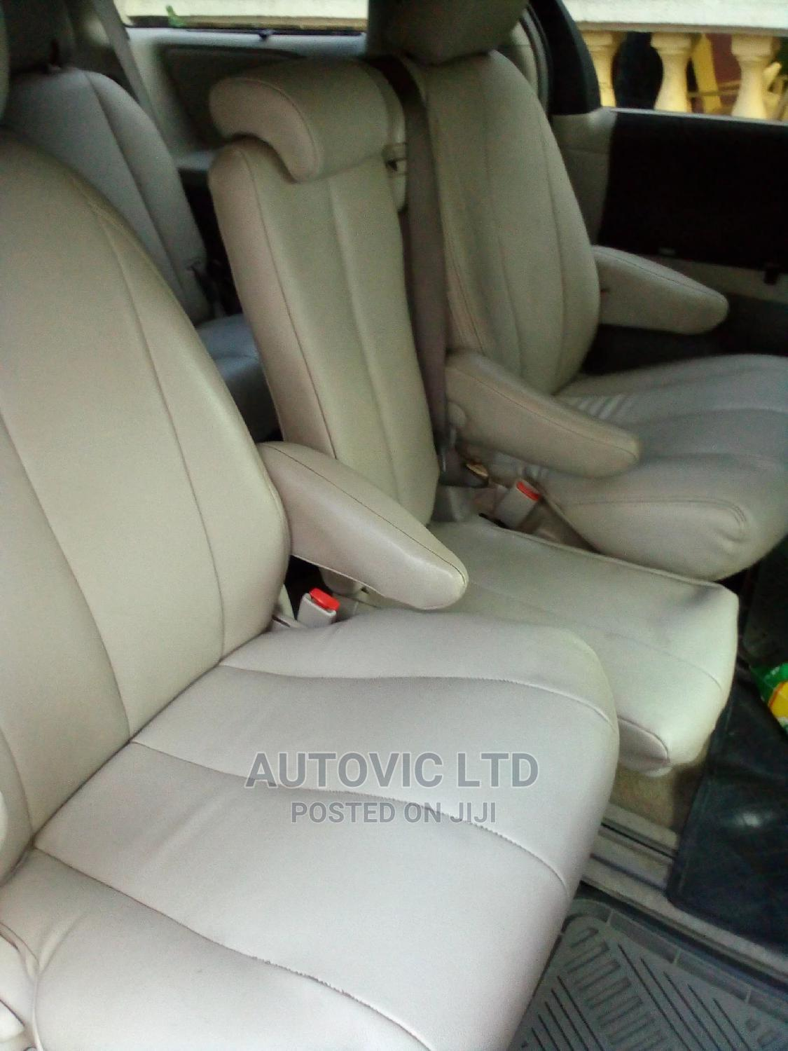 Toyota Sienna 2011 LE 7 Passenger Gray   Cars for sale in Ajah, Lagos State, Nigeria