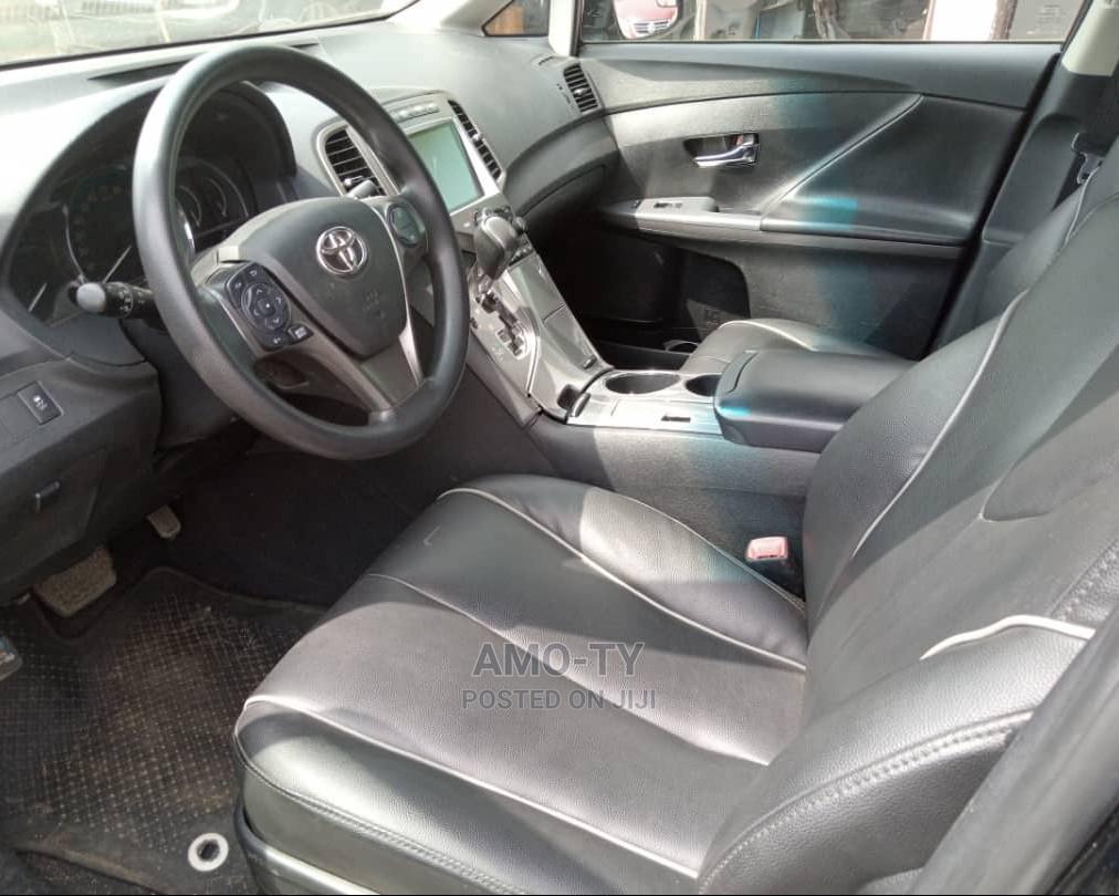Archive: Toyota Venza 2013 Black