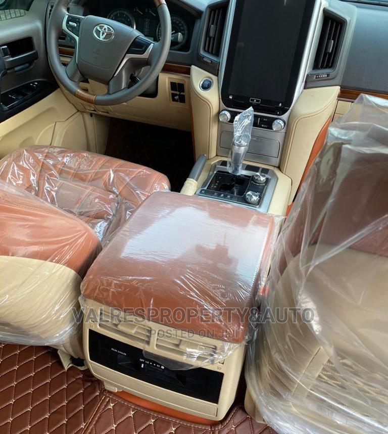 Toyota Land Cruiser 2017 4.0 V6 GXR White   Cars for sale in Lekki, Lagos State, Nigeria