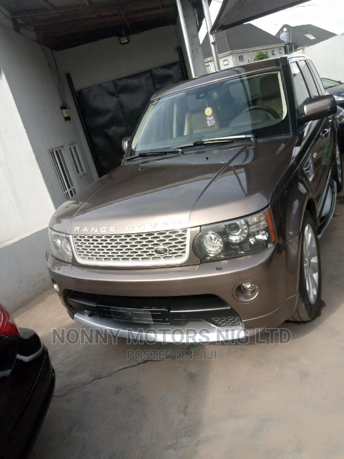 Archive: Land Rover Range Rover Sport 2012 Brown