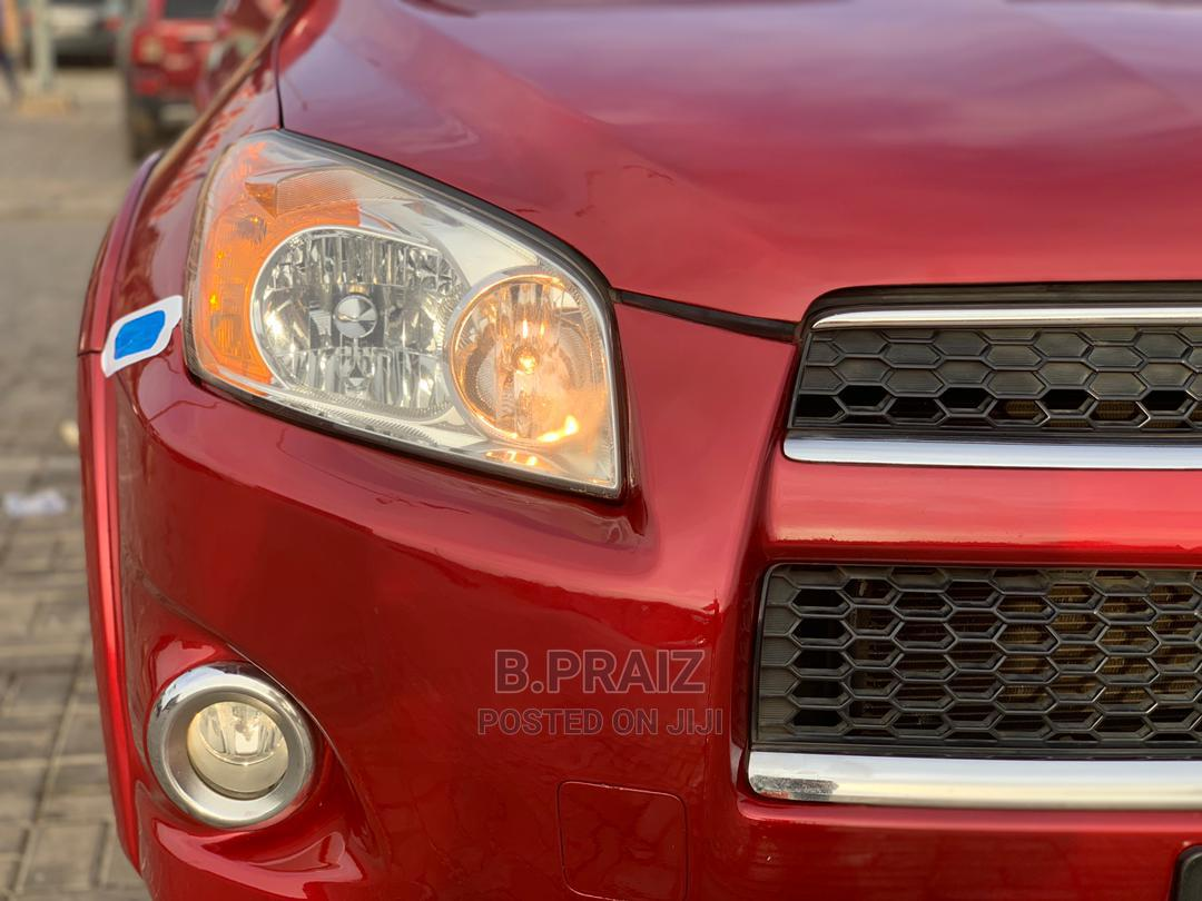 Archive: Toyota RAV4 2010 3.5 Limited 4x4 Red