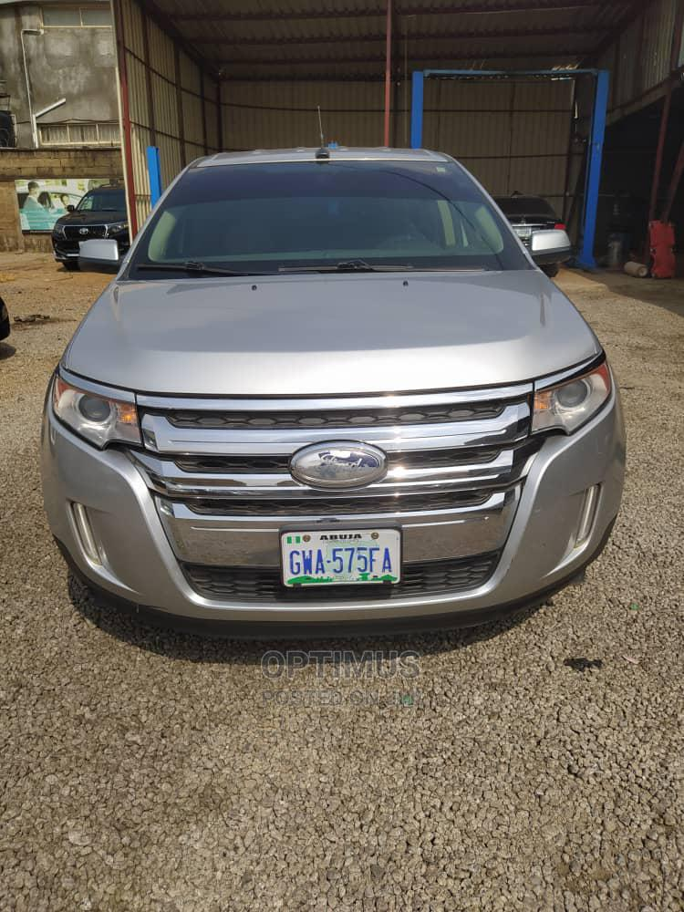 Archive: Ford Edge 2014 Silver