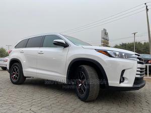 Toyota Highlander 2017 XLE 4x4 V6 (3.5L 6cyl 8A) White   Cars for sale in Oyo State, Ibadan