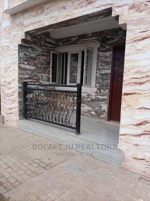 Lovely Mini Flat at Magboro via Ojodu Berger   Houses & Apartments For Rent for sale in Ogun State, Obafemi-Owode
