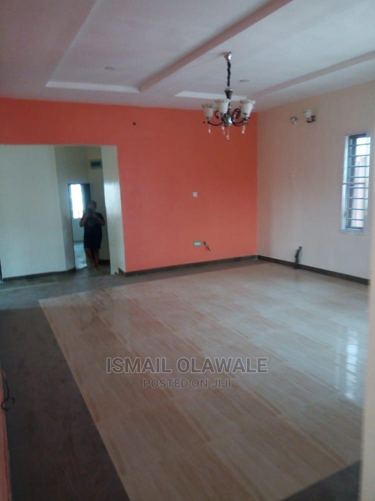 Archive: Completed Standard 6 Bedroom Duplex for Sale