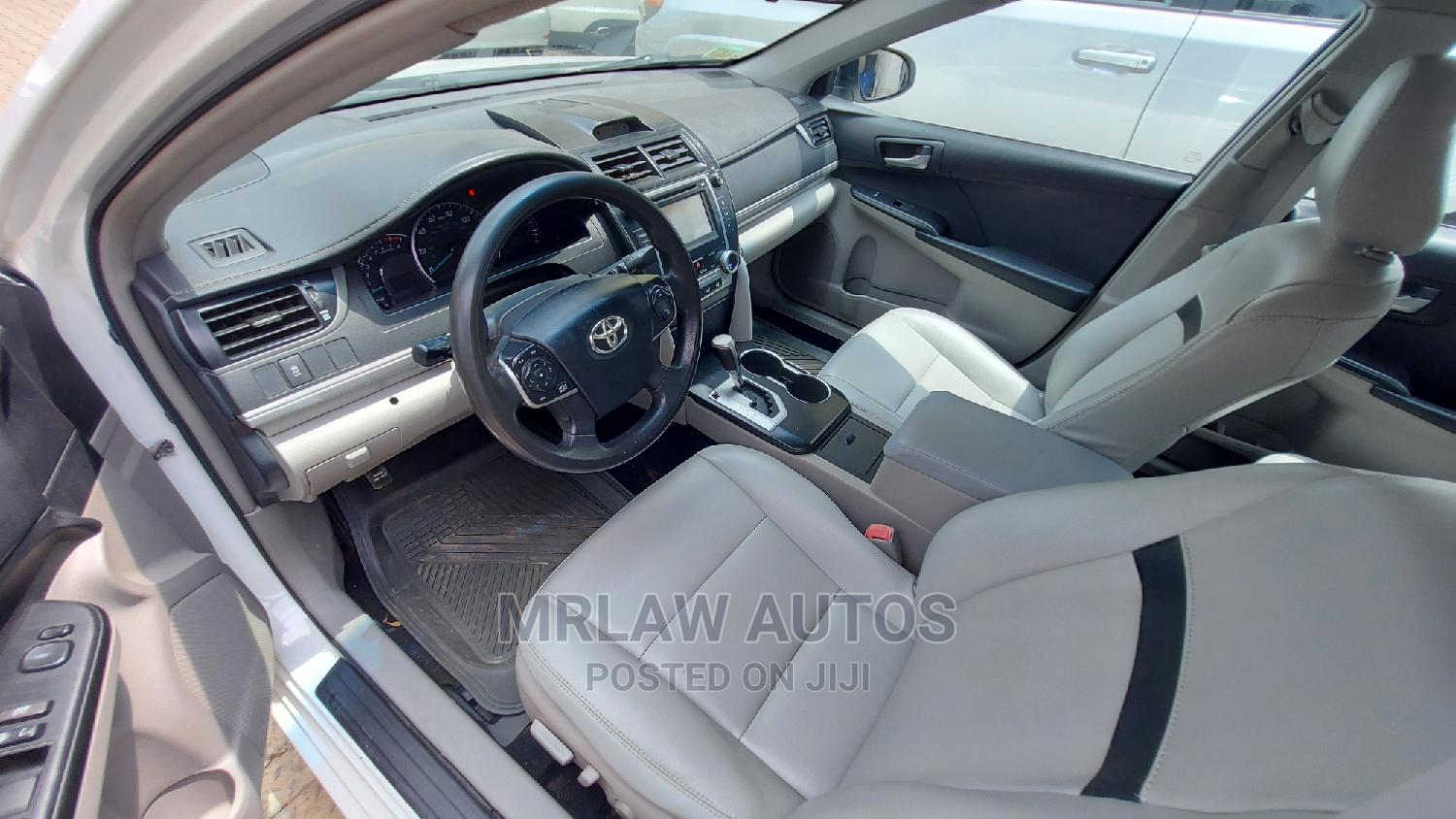 Toyota Camry 2012 White | Cars for sale in Asokoro, Abuja (FCT) State, Nigeria