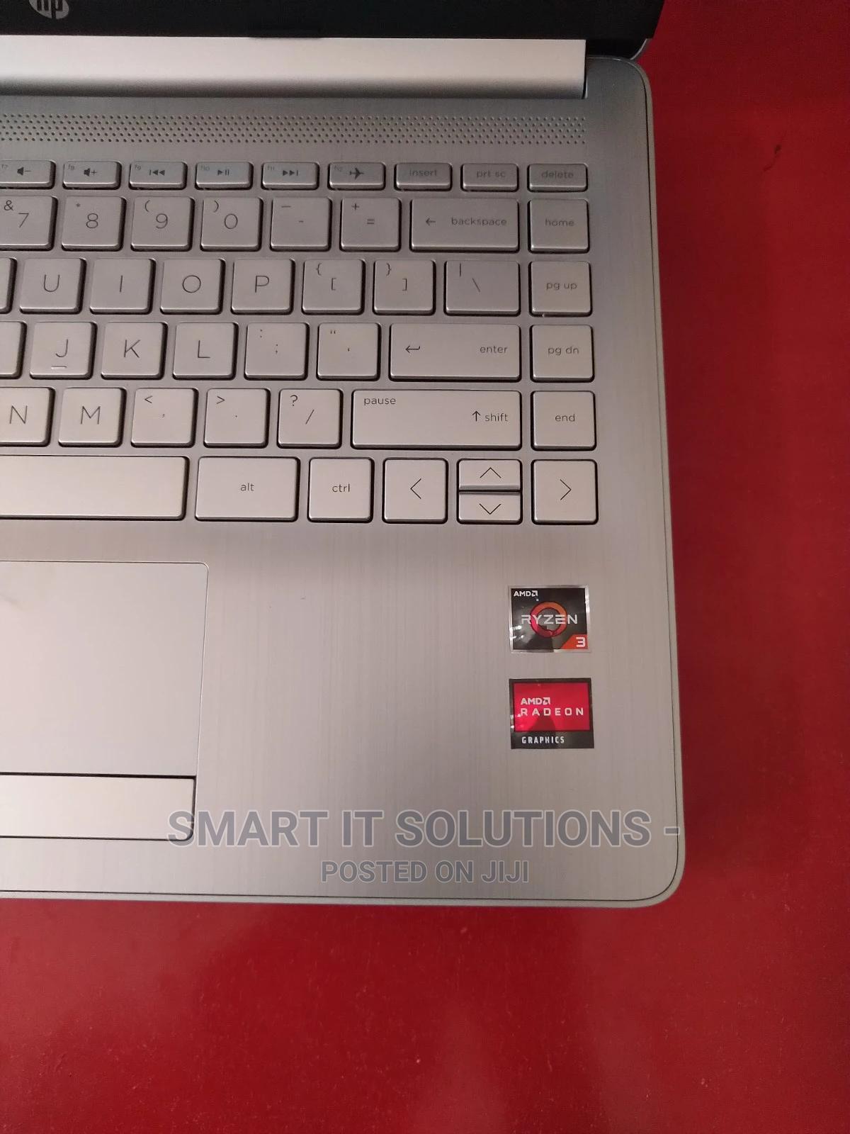 Archive: Laptop HP Pavilion 14 4GB AMD Ryzen SSD 128GB